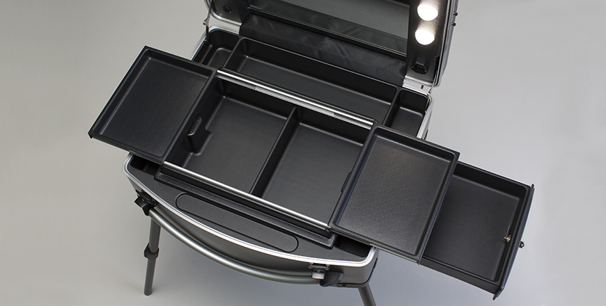 Makeup case with lights Voyager model.