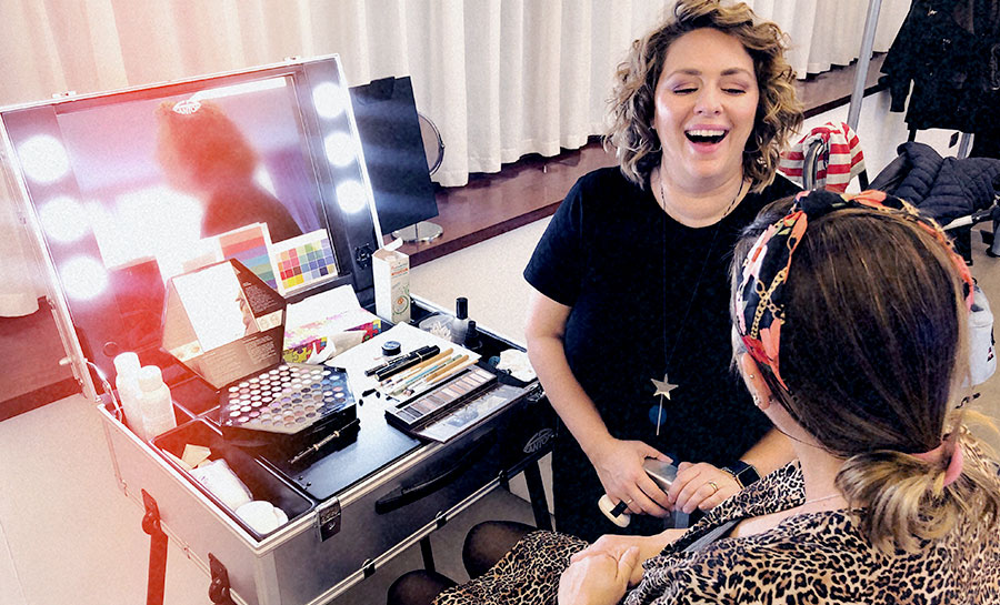 how-to-become-image-consultant-from-make-up-artist-consultation